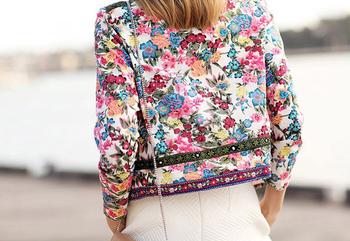 Γυναικείο μπουφάν με floral μοτίβο