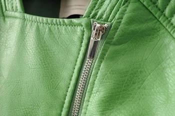 Γυναικείο δερμάτινο μπουφάν με διακοσμητικά φερμουάρ - 2 χρώματα