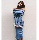 Много стилна дамска рокля с голи рамене и дълги ръкави
