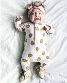 Сладък бебешки комбинезон с изображения на плодчета