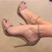 Много нежни дамски сандали на висок ток - лъскави, в три цвята