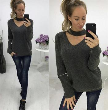 Дамски ежедневен пуловер с декоративни ципове по ръкавите и О-образна яка