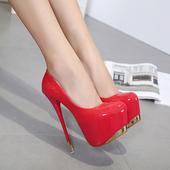 Официални дамски лачени обувки на висок 16см ток с златисти лъскави елементи