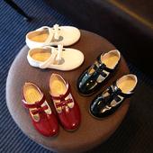 Стилни ежедневни обувки за момчиета с панделка в червен, черен и бял цвят