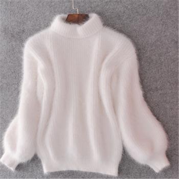Много удобен и много мек дамски пуловер с полувисока О-образна яка