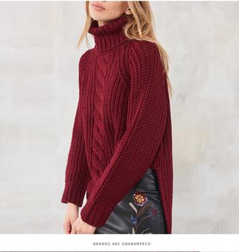 Ежедневно дамско топло пуловерче с висока яка