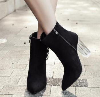 Γυναικείες μπότες με ψηλό διαφανό  τακούνι