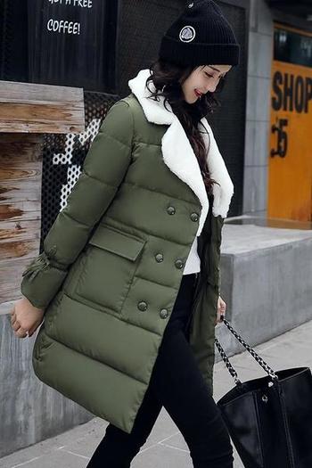 Μοντέρνο γυναικείο μπουφάν με μανίκια και πλαϊνές τσέπες