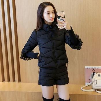 Дамски комплект - стилно дамско яке с 3/4 ръкави и дантела + къси дебели панталони