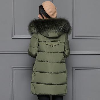 Κομψό γυναικείο μακρύ μπουφάν για τις κρύες μέρες