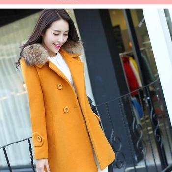Елегантно и стилно дамско палто със страхотен пух по яката