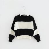 Плетен детски пуловер в черно бял цвят, подходящ за момичета и момчета