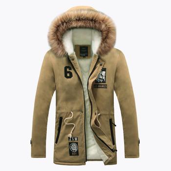 Όμορφο σπορ-κομψό ανδρικό παλτό με κουκούλα και γούνα σε τρία χρώματα