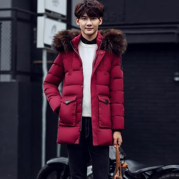Κομψό ανδρικό μακρύ μπουφάν με γούνα στην κουκούλα  κατάλληλο για το  χειμώνα