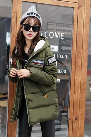 Интересно зимно дълго яке за дамите с щампи, в няколко цвята