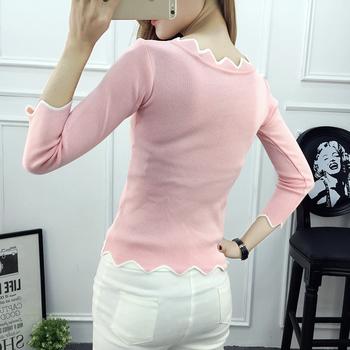 Тънък есенен пуловер със зигзаг ефект