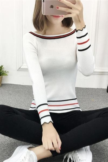 Семпъл тънък дамски пуловер с широка яка
