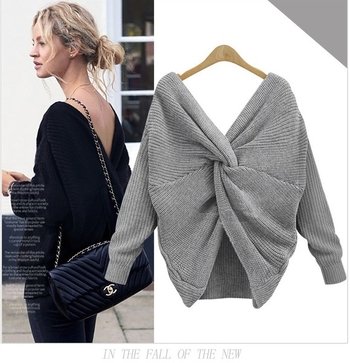 Топъл плетен дамски пуловер с ефектен гръбвя