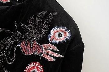 Αθλητικό κομψό κγυναικείο μπουφάν με floral κεντήματα