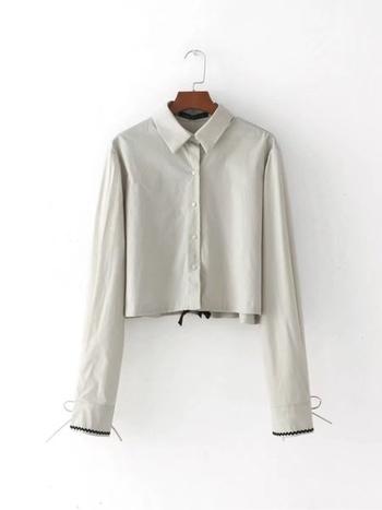 44aa5653d93 Стилна къса дамска риза с маншет - Badu.bg - Светът в ръцете ти