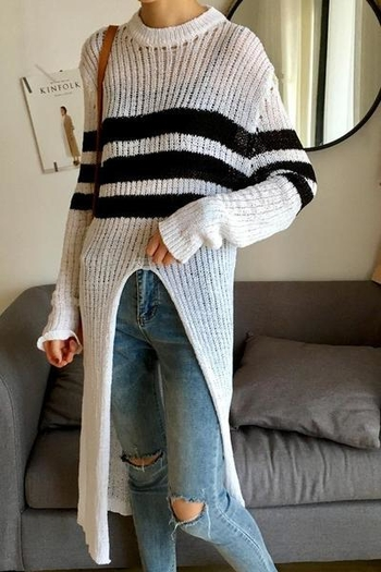 Красив дамски пуловер в дълъг модел и в два цвята