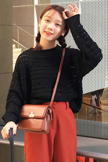 Дамски пуловер с О-образна яка в три цвята