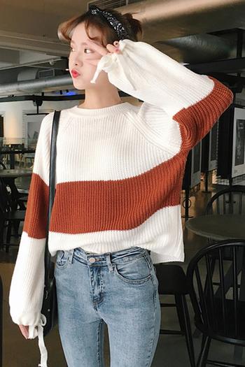Ежедневен дамски плетен пуловер в бял цвят