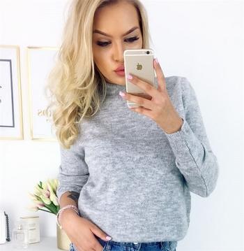 Пуловер с А-симетрично V-образно деколте ,4 цвята