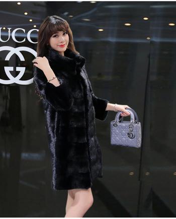Много стилно дамско палто с мек стилен пух и 3/4 ръкав