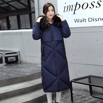 Πολύ άνετο και κομψό γυναικέιο μακρύ μπουφάν για το χειμώνα με κουκούλα