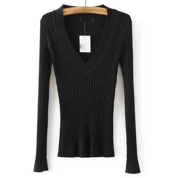 Ежедневен дамски пуловер с V-образно деколте
