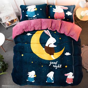 Много мек плюшен спален комплект с анимационни изображения в различни цветове и размери