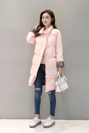 Μακρύ ζεστό γυναικείο μπουφάν σε απλό σχέδιο και σε τέσσερα χρώματα