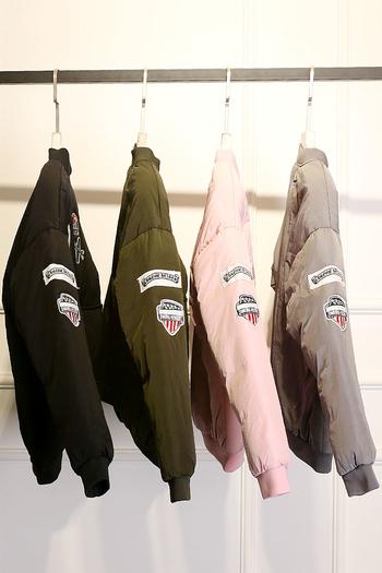 Καθημερινό χειμωνιάτικο γυναικείο μπουφάν  με εκτυπώσεις σε διάφορα χρώματα