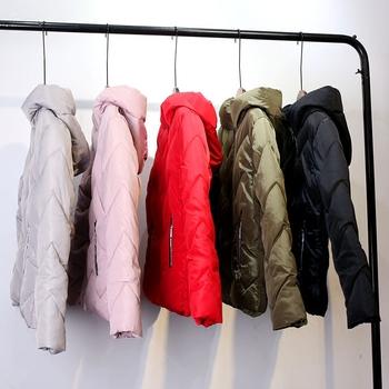 Γυναικείο  χειμωνιάτικο μπουφάν σε διάφορα  χρώματα με  κουκούλα