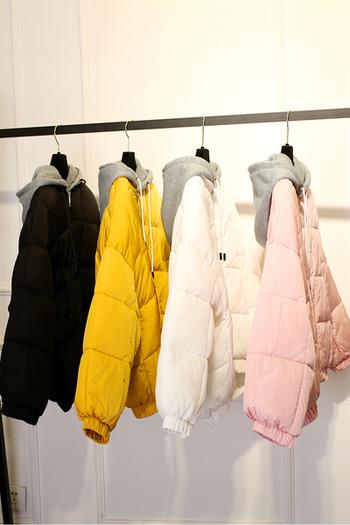 Спортно дамско яке в четири цвята с качулка
