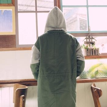Μακρύ χειμωνιάτικο γυναικείο μπουφάν σε ευρύ σχέδιο