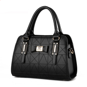 Ръчна дамска чанта с твърдо покритие от еко кожа