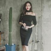 Сладка черна рокля  с чокър