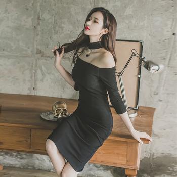 Γλυκό μαύρο γυναικείο φόρεμα - Badu.gr Ο κόσμος στα χέρια σου a30b3ac4f36